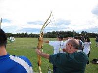 Practica tiro con arco con tus amigos