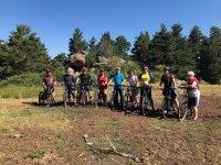 骑自行车探索塞戈维亚