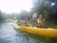 Todo bien, todo corecto a bordo de la canoa