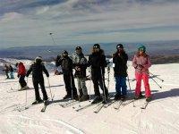 Esquiadores cerca de Monachil