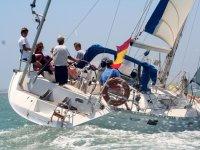 Maniobras en el barco en Cadiz