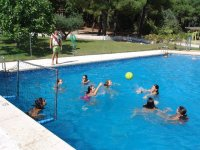 Disfrutando en la piscina