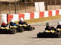 En las marcas para comenzar la carrera de kartings