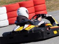 Carrera de kartings para niños