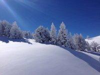 冬季徒步旅行在塞拉利昂北徒步在龙绳