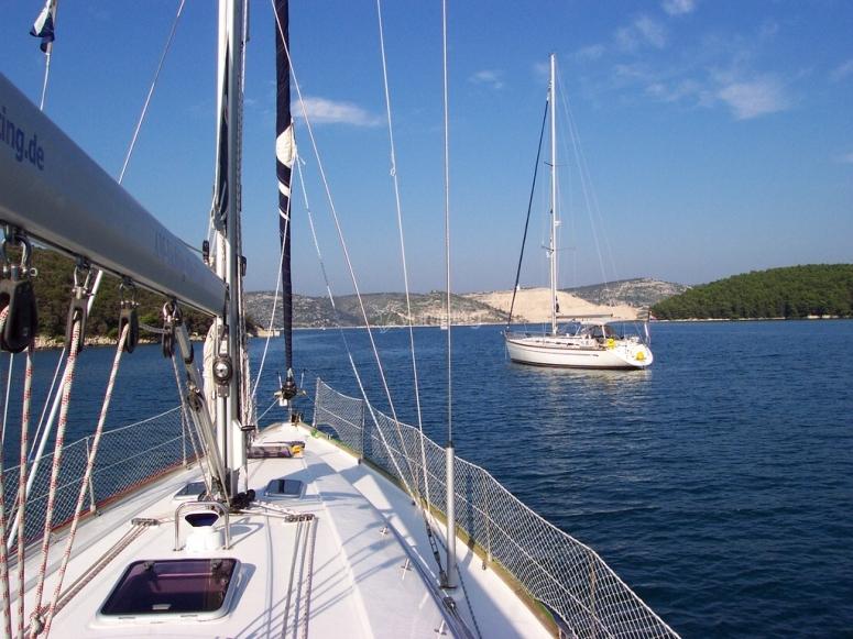 Sesion de navegacion en velero