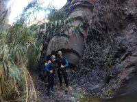 Curiosas formaciones en la roca del barranco