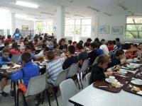 Studenti nella sala da pranzo