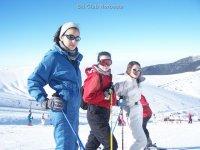 Esquiadores contentos
