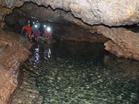 Interior de la cueva de los Chorros