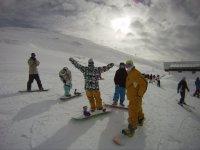 滑雪一群学生