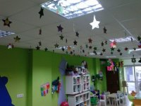 el techo de la ludo con estrellas de clientes