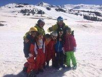 Alumnos de esqui y snow en Baqueira
