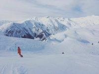Descenso de snowboard en Baqueira