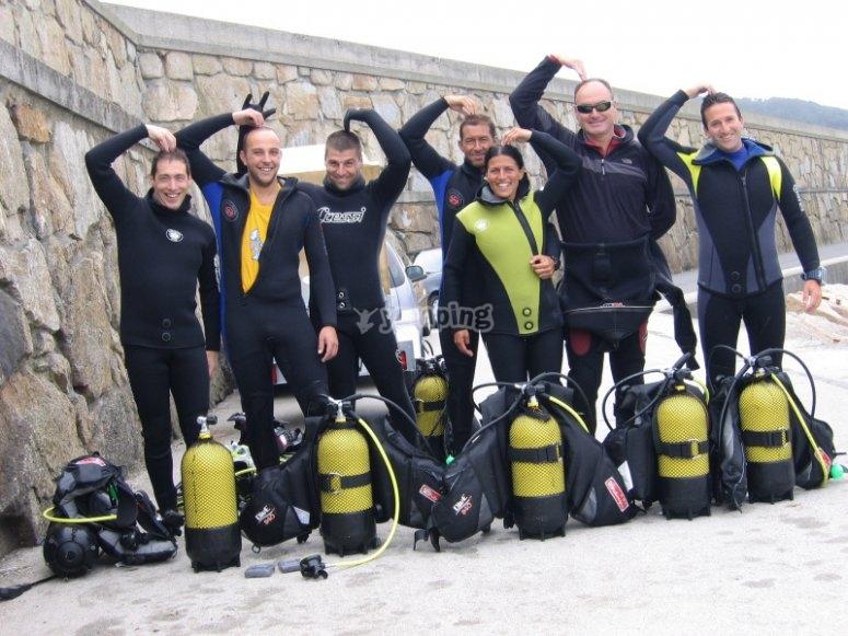 所有水肺潜水员