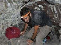 Bajo la roca en Jameos