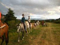 Ruta de 12 personas a caballo