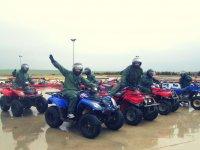 quads con lluvia