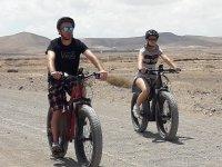 Llegando a Cotillo con la bicicletas