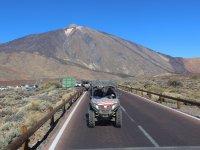 El Teide detras del buggy