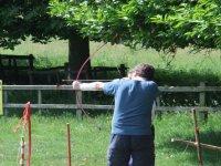 jugando a tiro con arco