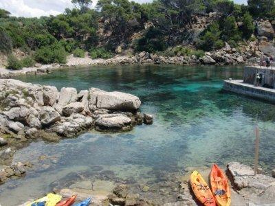 Haz una excursión en kayak por Baleares