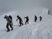 活动雪路与山雪