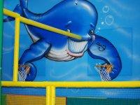 Campo de futbol y baloncesto