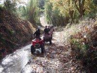 Recorriendo los caminos en quad