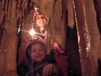 孩子们喜欢洞穴学!