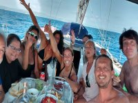 Compartiendo comida a bordo