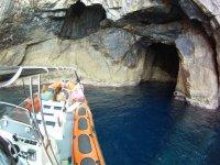 Scopri le grotte vergini di Minorca