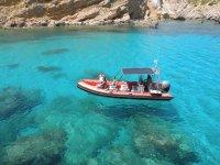 Visita le spiagge vergini di Minorca
