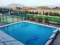 Piscina e instalaciones deportivas