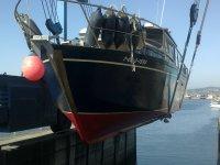 Levantando la embarcacion
