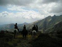 Gredos a caballo camino de La Mira
