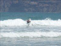 Todo el que quiera puede probar el surf