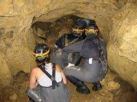 Explorando cavernas