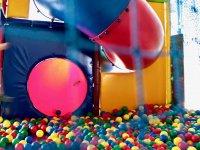 Diversion en parque de bolas