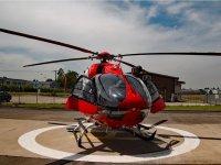 Helicoptero en el helipuerto