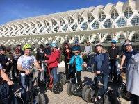 Grupo de segway en la Ciudad de las Artes