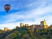 Globo con el reflejo del sol en la Alhambra