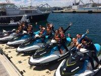Grupo por parejas en las motos nauticas