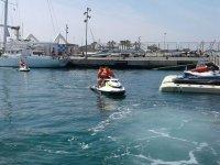 Motos de agua en el puerto valenciano