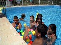 piscina con bolas