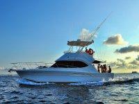 享受地中海的乘船之旅