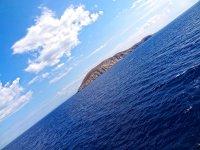 航行穿过地中海