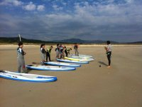 Group prepared for paddlesurf class