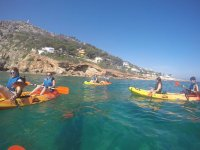 Visitare le baie in kayak
