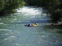 Descenso en hidrospeed con guía